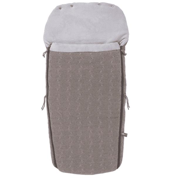 Baby's Onlyn isompikokoinen lämpöpussi on loistava valinta perheelle, joka ulkoilee paljon rattailla ja pussi on erityisen kätevä silloin, kun lapsi nukkuu päiväunia ulkona. Tämän makuupussin suurin hyöty on se, että rattaissa istuva lapsi pysyy varmasti lämpimänä koko lenkin aikana, talvellakin. Muhkeavuorinen makuupussi toimii sekä lämpöpussina että pehmikkeenä rattaissa. Lämpöpussissa on aukot viispistevaljaille ja se sopii kaikkiin rattaisiin. Jos lenkillä poiketaan sisätiloihin, voi lämpöpussin vetoketjut avata kätevästi, eikä lapselle tule kuuma.