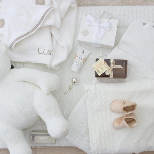 Luin Spa viittapyyhe vauvalle on tosi raikas valkoisessa värissä
