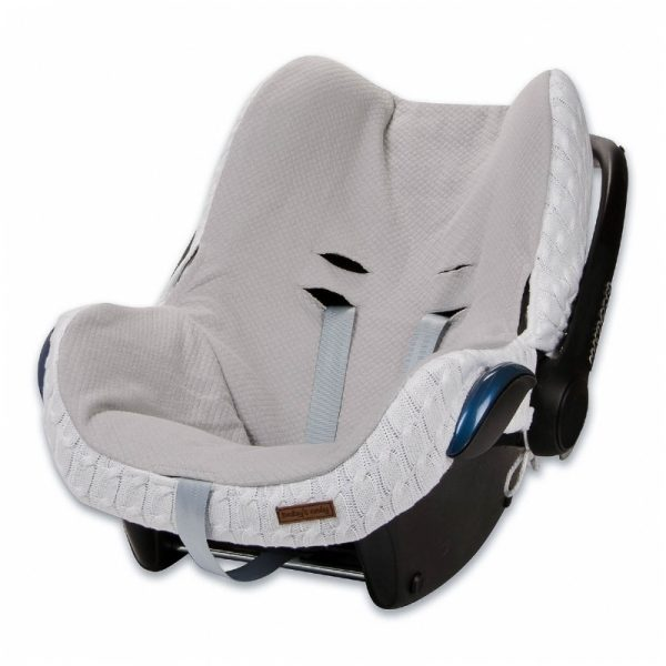 Silkkisen sileä ja pehmeä Baby's Only turvakaukalon päällinen tekee vauvan matkustamisesta miellyttävää. Kangas tuntuu mukavalta eikä hiosta kuten turvakaukalon omat kankaat usein tekevät. Päällinen on helppo tapa uudistaa turvakaukalon ilmettä ja konepesumahdollisuus ilahduttaa pulautusvahingon sattuessa.
