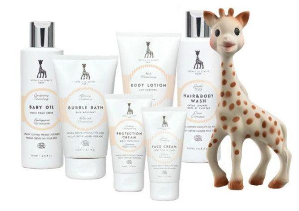 Ranskattarien rakastaman luonnollisen kirahvipurulelun tuntevat kaikki! Nyt sarjasta löytyy myös Suomessa suunniteltu luomukosmetiikkasarja lapsille.