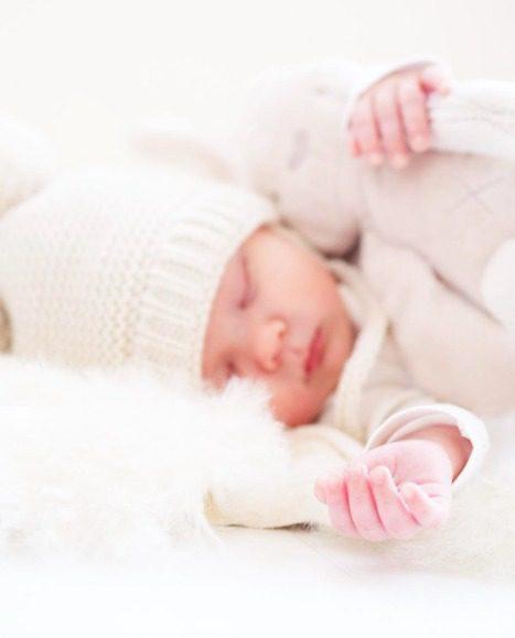 PikkuVaniljan Skinnwille Nelly taljaa voi käyttää päivittäin pienen vauvan alustana myös leikkimatolla, sohvalla, lattialla ja esimerkiksi vaunukopassa pehmusteena. Vauvat rakastavat lämpöä ja vaunukopassa talja lämmittää suloisesti ulkoilulenkeillä tai vauvan päiväunilla. Suomessa vauvat ulkoilevat paljon ja vauvaa nukutetaan ulos raikkaaseen ilmaan. Kun lämpötila on sopivan tasainen ja vauvan olo mukava, nukkuu vauva rauhallisemmin ja pidempään.