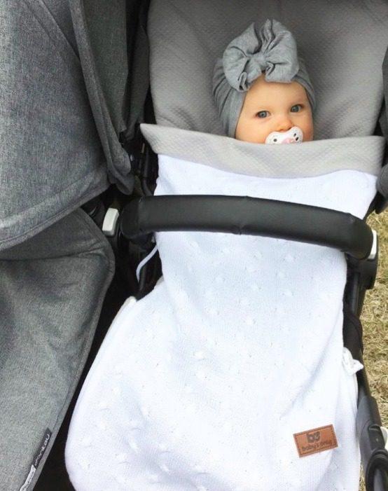 Baby's Only kesälämpöpussi rattaisiin ja turvakaukaloon on järkevä hankinta vauvalle, sillä Suomen kesä on usein arvaamaton! Lämpöpussin sisällä vauva on suojassa tuulelta ja viileältä säältä.