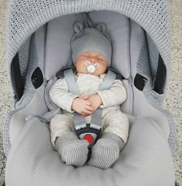 Baby's Only suojaava kuomu ja päällinen vauvan turvakaukaloon ovat tyylikäs tapa uudistaa turvakaukalon ilmettä