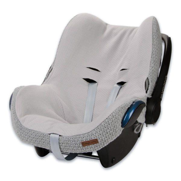 Baby's Only harmaa suojaava päällinen vauvan turvakaukaloon. Uudista turvakaukalosi helposti!