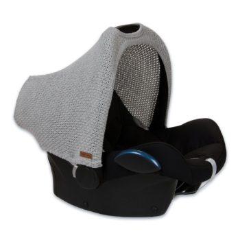 Tee vauvan turvakaukalosta suojaisampi PikkuVaniljan Baby's Only harmaalla kuomulla! Turvakaukalon kuomu suojaa vauvaa hälyltä, auringolta ja viimalta.