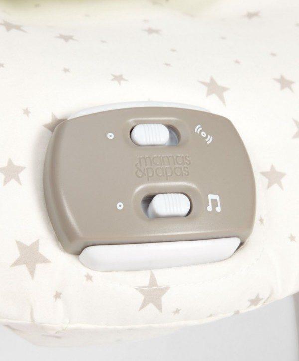 Mamas&Papas Capella Wish Upon a Star vauvan sitterissä on neljä kaunista ja rauhoittavaa melodiaa, jotka tyynnyttävät itkuista vauvaa.