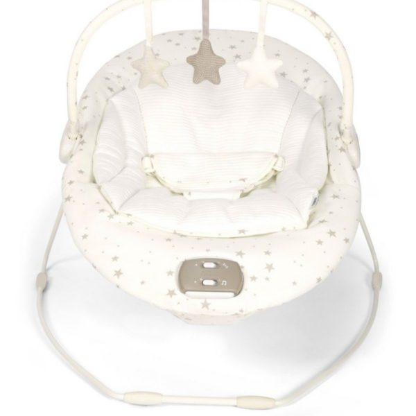 Mamas&Papas Capella Wish Upon a Star vauvan sitterin pehmeä värinätoiminto auttaa masukipuista koliikkivauvaa rauhoittumaan.