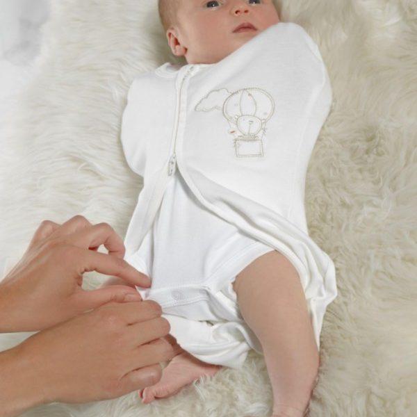 Mamas&Papasin kapalounipussissa on todella kätevä kaksisuuntainen vetoketju, joten vaipanvaihto onnistuu vauvaa riisumatta!