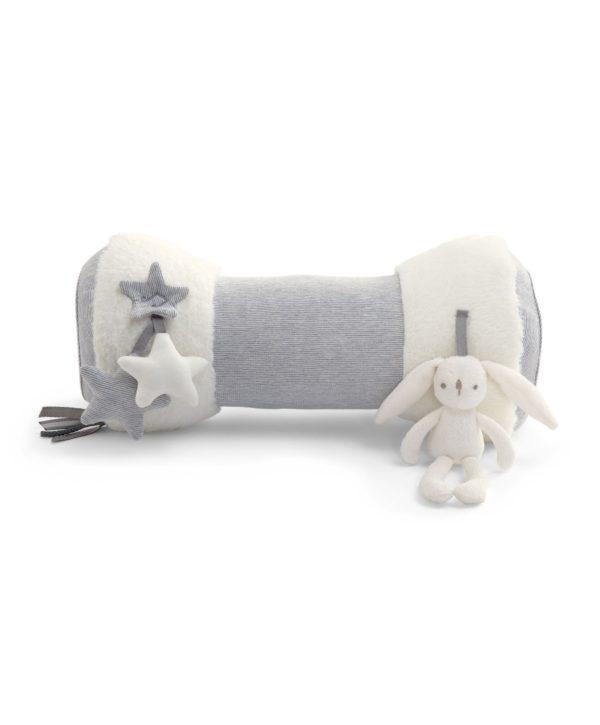 Jotta vauva oppii liikkumaan, pitää hänen saada viettää aikaa mahallaan! Tämä monitoimilelu tekee vatsallaan olosta mukavampaa vauvalle!