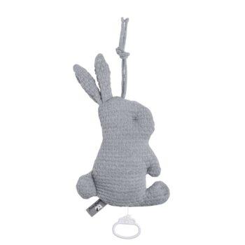 Soiva pehmeä soittorasia on kaunis lisä vauvan pinnasänkyyn tai vaipanvaihtopisteen läheisyyteen. Melodia kiinnittää vauvan huomion ja rauhoittaa vauvaa.