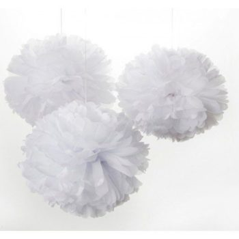Suloiset pienet puffipallot tyylikkään valkoisena! Pompomit ovat yksinkertaisen kaunis koriste mihin tahansa juhliin. Pompomeja ripustamalla koristelet nopeasti baby shower -juhlat, ristiäiset tai lasten syntymäpäivät. Yhdistä pompomit ilmapalloihin ja viireihin ja juhlakoristelut ovat valmiina! Pompomit ovat myös ihana koriste lastenhuoneessa, esimerkiksi verhokatoksesta roikkuvana yksityiskohtana!
