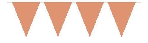 Ruusukultainen kolmiolippunauha Tässä kauniisti hohtavassa viirissä roikkuu suuria kiiltäväpintaisia kolmioita. Yksinkertaisen tyylikäs viirinauha juhliin!