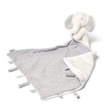 Mamas&Papas uniliina, elefantti Pehmoinen pupu, rakas riepu tai halinalle. Useimmiten lapsen unikaveri on pehmoinen. Unilelu on lapselle tärkeä. Uniriepu rauhoittaa lapsen nukkumaan ja se kulkee lapsen mukana myös vieraassa paikassa nukuttaessa. Uniriepu antaa turvaa ja tyynnyttää levotonta vauvaa. Mamas&Papas tuoteperheen suloisessa valkoisessa uniliinassa on yhdessä nurkassa pehmeä pikkunorsu, jonka voi myöhemmin halutessaan irroittaa lapsen leikkeihin. Kauttaaltaan uniriepu on ylellisen pehmeä ja sileä, jolloin se on mukava painaa vauvan poskea vasten nukahtaessa.