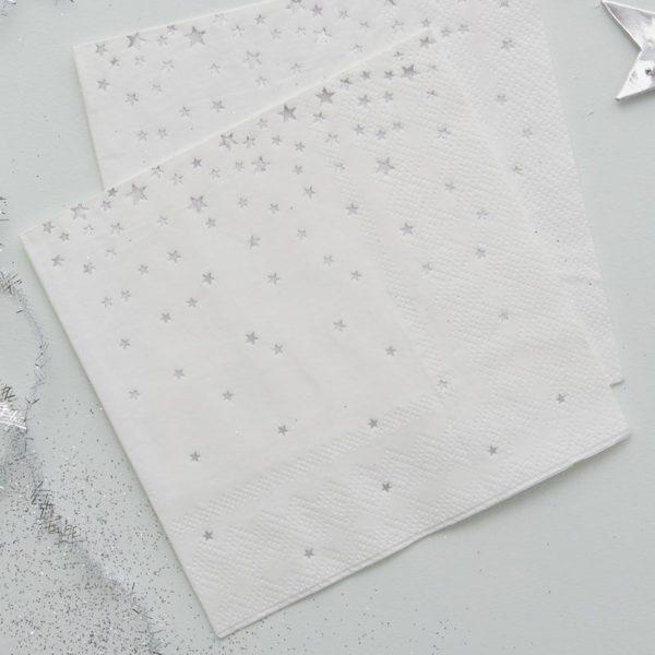Ginger Ray valkoinen servetti hopeisilla tähdillä Monenlaisiin juhliin kauniisti sopivat lautasliinat hopeisilla yksityiskohdilla! Näissä serveteissä on kiiltäviä hopeisia tähtiä.