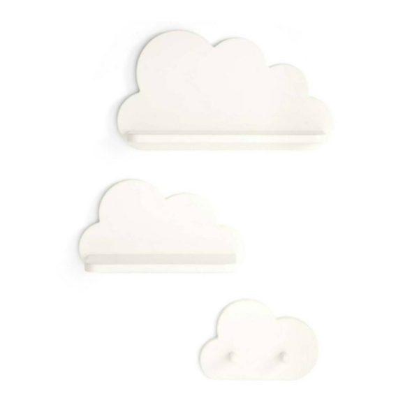 Mamas&Papas puiset pilvihyllyt ja pilvinaulakko, valkoinen Laadukas ja kaunis setti vauvan- ja lastenhuoneeseen sisältää kaksi eri kokoista pilvihyllyä ja yhden pilvinaulakon. Valkoiset pilvenmuotoiset hyllyt ovat ajaton valinta lastenhuoneen seinälle -ne ovat tyylikkäät ripauksella lapsenmielisyyttä!