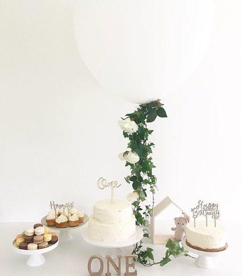 Puiset kakunkoristeet ovat tyylikäs valinta jokaiseen juhlaan!