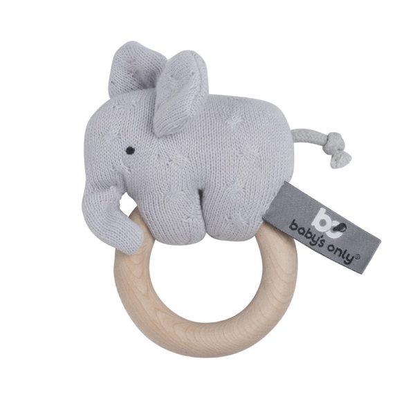 Baby's Only Elefantti rengashelistin, vaaleanharmaa Vaaleanharmaa pikkuelefantti helisee ja kiinnittää pienen leikkijän huomion, kun vauva heiluttaa sitä. Elefantti on kiinni sileässä puurenkaassa, josta vauva saa hyvän otteen. Pienet sormet saavat tekemistä, kun vauva tutkii elefantin hännässä olevaa solmua ja elefantin pitkää kärsää. Pururengasta on mukava nakerrella, kun hampaat tekevät tuloaan ja kutittavat vauvan ikeniä.