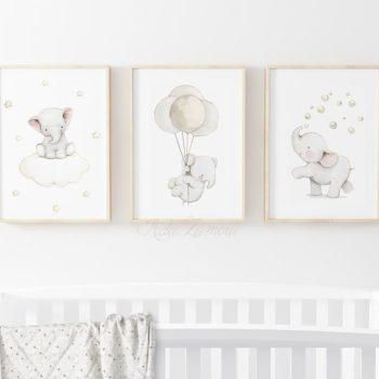Aida Zamora laadukkaat printit lastenhuoneen seinälle tai hyllyn päälle, elefantit Jo pienet vauvat tykkäävät katsella eläimiä ja lapset rakastavat eläintarinoita ja pörröisiä eläinhahmoja. Siksi moni äiti valitseekin vauvanhuoneen seinälle nimenomaan eläintauluja. Aida Zamoran piirtämät eläintaulut ovat sävytykseltään sellaisia, että ne sopivat lastenhuoneeseen moneksi vuodeksi. Taulut ovat samaan aikaan kauniita ja herkkiä, eläintenkuvat vetoavat monenikäisiin lapsiin.