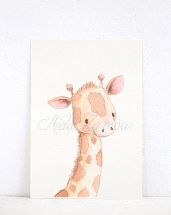 Aida Zamora laadukkaat printit lastenhuoneen seinälle tai hyllyn päälle, suloiset eläimet Jo pienet vauvat tykkäävät katsella eläimiä ja lapset rakastavat eläintarinoita ja pörröisiä eläinhahmoja. Siksi moni äiti valitseekin vauvanhuoneen seinälle nimenomaan eläintauluja. Aida Zamoran piirtämät eläintaulut ovat sävytykseltään sellaisia, että ne sopivat lastenhuoneeseen moneksi vuodeksi. Taulut ovat samaan aikaan kauniita ja herkkiä, eläintenkuvat vetoavat monenikäisiin lapsiin.
