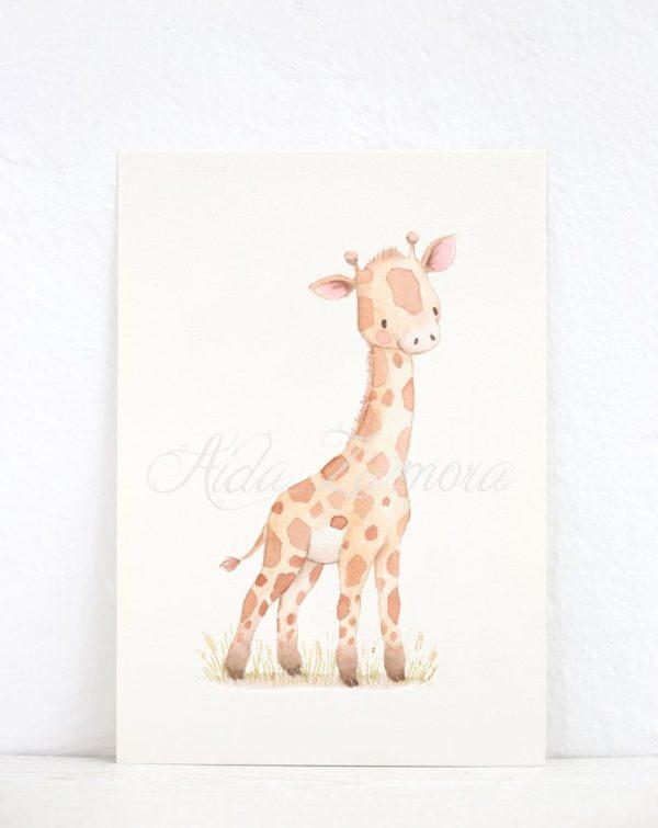 Aida Zamora laadukkaat printit lastenhuoneen seinälle tai hyllyn päälle, savannin eläimet Jo pienet vauvat tykkäävät katsella eläimiä ja lapset rakastavat eläintarinoita ja pörröisiä eläinhahmoja. Siksi moni äiti valitseekin vauvanhuoneen seinälle nimenomaan eläintauluja. Aida Zamoran piirtämät eläintaulut ovat sävytykseltään sellaisia, että ne sopivat lastenhuoneeseen moneksi vuodeksi. Taulut ovat samaan aikaan kauniita ja herkkiä, eläintenkuvat vetoavat monenikäisiin lapsiin.