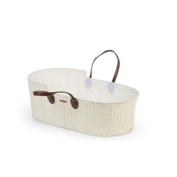 Childhome Moses Basket keinuva vauvan korikehto + patja. Tyylikäs korikehto on täydellinen ensisänky vauvallesi. Kehtoa on helppo siirrellä huoneesta toiseen ja yöksi voit siirtää sen vanhempien sängyn viereen. Vauva nukahtaa kehtoon helposti pehmeän keinuvan liikkeen ansiosta. Pakkaus sisältää korin, patjan ja valkoiset keinujalat. Korikehdossa on kantokahvat, joten korin siirtely onnistuu vaivattomasti. Korikehdon koriosaa voit käyttää myös matkasänkynä esim. mummolassa.