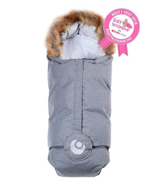 Lämpöpussin käytön etuja on helppous - esimerkiksi kauppaan mennessä vauvalle ei tarvitse pukea ulkovaatteita lainkaan. Vauvan saa matkaan mukaan nopeasti pelkissä sisävaatteissa, koleimmilla säillä laitaan vielä pipo päähän. Kaupassa pussin vetoketjun voi kätevästi avata, ettei vauvalle tule ostosten teonaikana kuuma, joten vauva voi rauhassa jatkaa uniaan vaunussa.