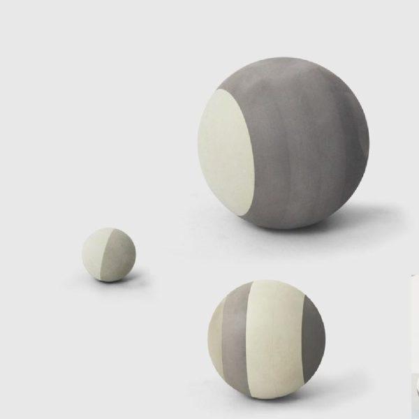 Tämä tyylikäs ja monen kodin sisustukseen sopiva bObles pallosetti ei koskaan puhkea tai mene lyttyyn vauhdikkaammassakaan leikissä!