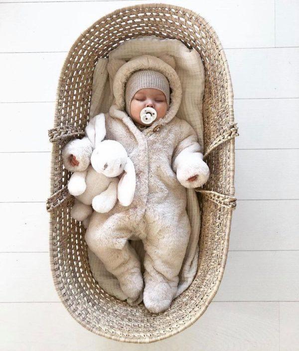 BIBS Denmark luonnonkuminen tutti vauvalle 0-6kk White Moni äiti valitsee nykyisin juuri tämän tutin, koska se on luonnollinen vauvalle, todella tyylikäs ja näyttää vauvakuvissakin suloiselta!