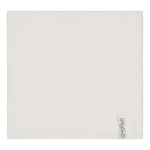 Gugguu lasten tuubihuivi, sävy White Sand Pienten tyylikkäässä pukeutumisessa huivit ovat nopeasti tehneet läpimurron. Tuubihuivi antaa tehokkaasti lisäsuojaa tuulelta ja viimalta, mutta luo lapsen asuun samalla myös viimeistellyn ilmeen!