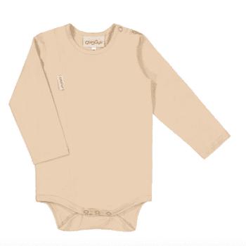Gugguu Unisex Body, sävy Linen Beige Pehmeä ja laadukas Natural malliston vauvanbody on todella mukava päällä. Pitkähihaisen bodyn olkapäällä on neppari helpottamaan bodyn pukemista. Ajattoman tyylikäs body on kätevä yhdistää housuihin ja hameeseen: body pitää myös vauvan selän suojassa silloin, kun vauvaa nostetaan, eikä nouse korviin. Äidit ovat kehuneet tätä trikoomateriaalia todella kestäväksi käytössä: body pitää muotonsa ja istuu hyvin pesu toisensa jälkeen!