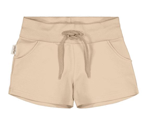 Gugguu Unisex Shorts, sävy Linen Beige Natural kokoelman ajattoman tyylikkäät, taskulliset collegeshortsit. Unisex shortsit ovat todella mukavat ja joustavat, kangas on erittäin laadukasta. Näissä shortseissa lapsen on helppo liikkua!
