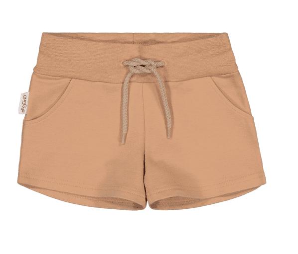 Gugguu Unisex Shorts, sävy Sugar Cookie Natural kokoelman ajattoman tyylikkäät, taskulliset collegeshortsit. Unisex shortsit ovat todella mukavat ja joustavat, kangas on erittäin laadukasta. Näissä shortseissa lapsen on helppo liikkua! Äidit ovat kehuneet tätä materiaalia todella kestäväksi käytössä: shortsien kangas pysyy siistinä pesu toisensa jälkeen ja kestää hyvin kulutusta!