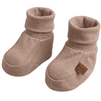Baby's Only vauvan töppöset, Melange Clay Joustavaa ja pehmeää luomupuuvillaa olevat tossut pitävät pienet varpaat lämpöisenä! Tossujen varsi on kapeampi, jotta tossut pysyvät hyvin jalassa, mutta tarpeeksi joustava, jotta tossut saa helposti vauvan jalkaan.
